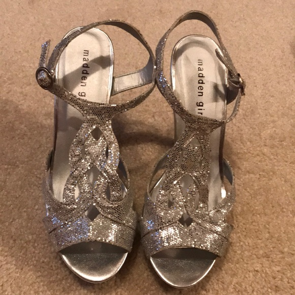 f921baeb1db Madden Girl Shoes - Madden Girl Size 7 Silver Loopyy Shoes - Worn Once